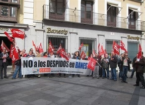 Protestan en Toledo por el despido de seis trabajadores de Banesto