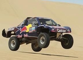 Mejor, imposible: Carlos Sainz lidera el Rally Dakar tras imponerse en la etapa inicial