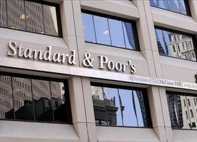 S&P eleva el rating de 7 bancos españoles y mantiene el de otros 7