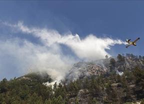 El incendio de la Vall d'Ebo (Alicante) sigue sin estar controlado