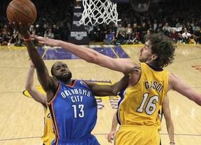 Ibaka 1 - Gasol 0: los Thunder se adelantan a los Lakers en los 'play off' de la NBA (77-75)
