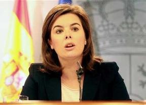 Sáenz de Santamaría pide prudencia al PSOE ante una posible moción de censura
