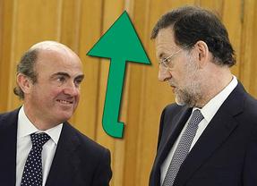 De Guindos valora el paro de abril como 'datos de esperanza' y cree que son la prueba de que España va en la dirección correcta