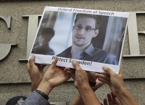 Rusia niega que Edward Snowden haya pedido asilo político