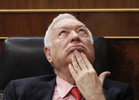 Margallo pasa la 'patata caliente' de Corinna a Zapatero