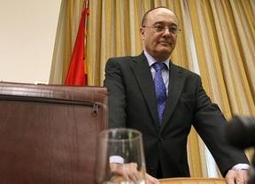 El Banco de España estudia ahora imponer límites a las 'intocables' cláusulas millonarias de los directivos bancarios