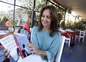 María Dueñas, centrada en su tercer libro mientras se despide 'El tiempo entre costuras'
