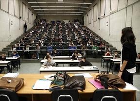 ¿Estudiar por vocación o por empleabilidad? La mitad de los universitarios que trabajan lo hacen en puestos de menor formación