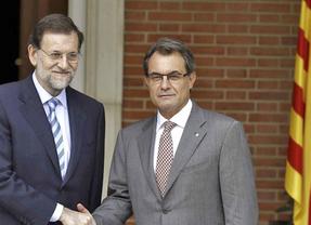 Rumores de un pacto Rajoy-Mas para 'salvar la cara' al president catalán