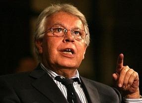 Felipe González dice en Euskadi que ninguna región se independizará de España