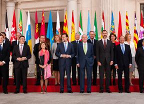 Rajoy consigue 'controlar' a las autonomías para que cierren filas en la lucha antidéficit