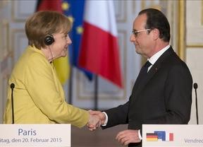 Hollande y Merkel se muestran contrarios a la salida de Grecia del euro