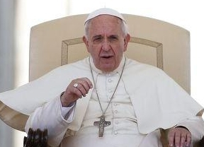 El Papa afronta su nueva revolución: ahora plantea la posibilidad del fin del celibato
