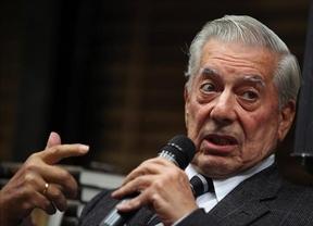 Vargas Llosa deja plantados al Rey y al Gobierno: rechaza presidir el Instituto Cervantes