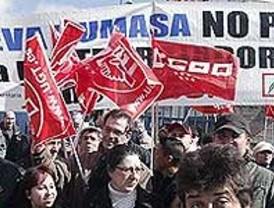 Cientos de trabajadores de Nueva Rumasa salen a la calle para defender sus empleos