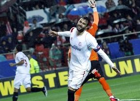 El campeón de la Liga Europa impone su ley: la fuerte pegada del Sevilla vuelve a hundir al 'submarino amarillo' (2-1)