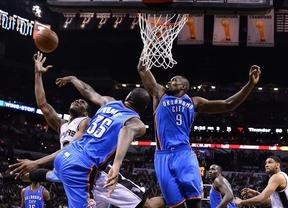 Una paliza ante los Spurs deja a Ibaka al bode del KO en su sueño de ganar la NBA