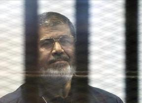 Un tribunal condena a muerte al ex presidente Mursi y al 'número dos' de Hermanos Musulmanes