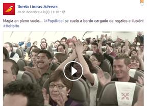 Papa Noel aterriza en un avión de Iberia sobre el Atlántico
