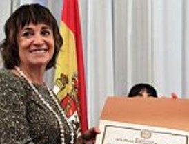 Rosa Montero recibió la distinción de