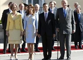 Los Reyes reciben en  El Pardo al presidente mexicano y su esposa