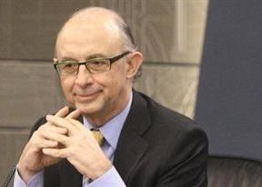 El Gobierno confirma la recesión para este año y el siguiente, pero también crecimiento en 2014