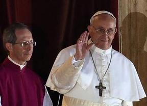 El nuevo Papa inicia su primer día al frente de la Iglesia sin lujos y transmitiendo un mensaje de humildad