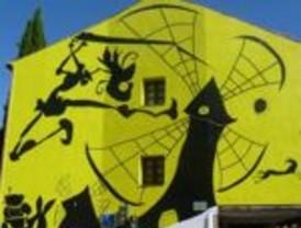 Un mural de Rep hermana Azul con Alcalá de Henares