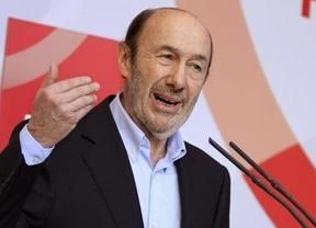 Rubalcaba insiste en la dimisión de Rajoy porque Bárcenas se ha convertido en su