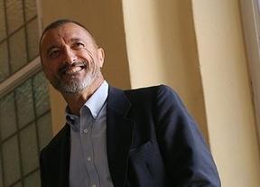 Las críticas de Arturo Pérez-Reverte a grandes medios y periodistas marcan los premios Ortega y Gasset