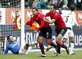 El empate ante el Valencia consigue que el Osasuna salve un punto en el descenso (1-1)