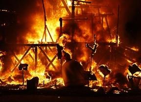 La 'cremà' pone fin a las Fallas de 2015: el fuego consumirá los más de 700 monumentos
