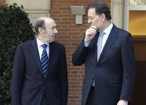 Cataluña, la Ley de Transparencia, la sucesión de la Corona... Los temas de conversación entre Rajoy y Rubalcaba