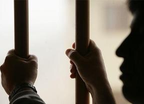 El Constitucional rechaza los 'cacheos integrales' a los presos tras un 'vis a vis'