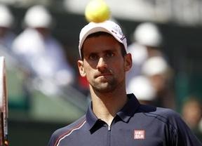 Djokovic se mete en cuartos tras remontar dos sets a Seppi (4-6, 6-7, 6-3, 7-5 y 6-3)