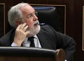 Vuelve el patriotismo empresarial: Cañete planea proteger la mayor aceitera española para que no pase a manos italianas