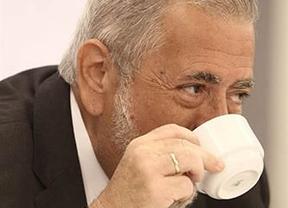 Beteta se disculpa con los funcionarios tras insinuar que son unos vagos más pendientes del 'cafelito' que del trabajo