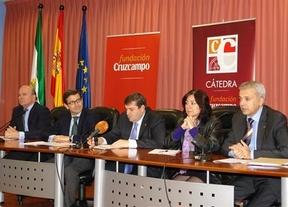 La Cátedra Fundación Cruzcampo entrega el I Premio de Emprendedores al proyecto 'Living in Huelva'