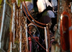 Un superviviente asegura que eran 950 los ocupantes del barco naufragado en el Mediterráneo