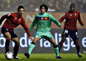 El clásico está servido: el Barça cumple en Pamplona (1-2) y se juega con el Madrid la  en semifinal
