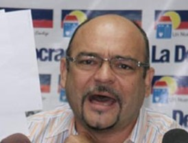 Rector de la Universidad Nacional Autónoma de México José Narro exhorta a Lujambio a defender la educación