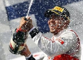 GP China.- Alonso logra un meritorio podio mientras Hamilton y Mercedes siguen a lo suyo
