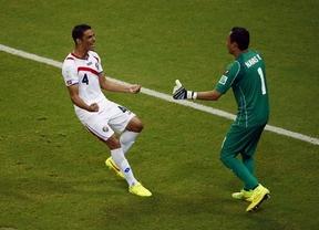 La cenicienta Costa Rica no deja de soñar y ya está en cuartos gracias a un gran Navas en la tanda de penaltis (1-1, 5-4)
