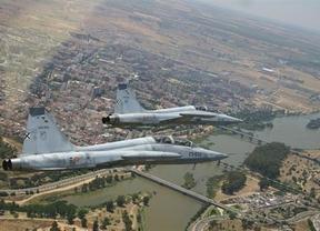 Otra desgracia en el puente: se estrella un F-5 del Ejército dejando un muerto