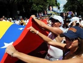 Álvaro Colom llegó este domingo a Cuba