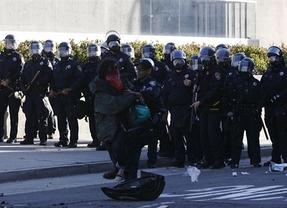 La policía detiene a más de un centenar de activistas del movimiento 'Occupy Oakland'