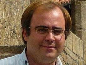 Carlos Navarro Antolín publica 'Zoido, destino Sevilla'