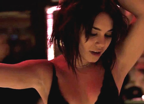 Vanessa Hudgens la lía con su baile de stripper en 'The Frozen Ground'