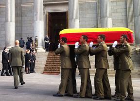 España da hoy su último adiós a Suárez con honores militares en un cortejo desde el Congreso y hasta Cibeles