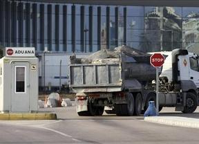 Bruselas da un toque a España por los 'desproporcionados' controles en el paso a Gibraltar